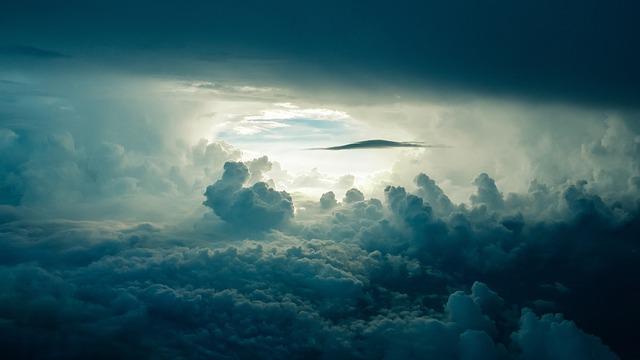 mraky v atmosféře