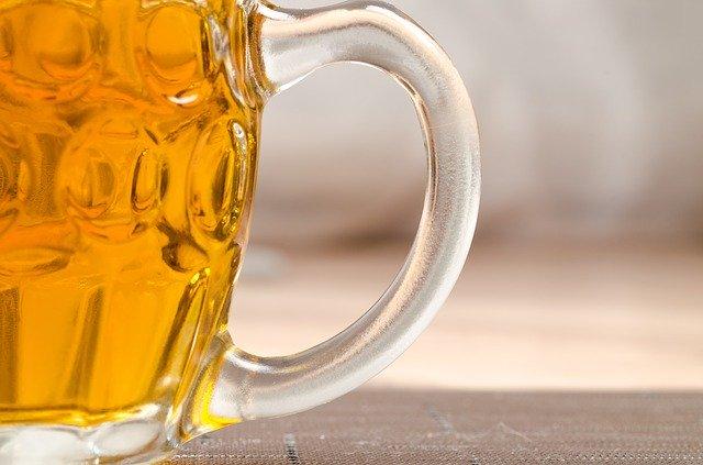 část půllitru piva